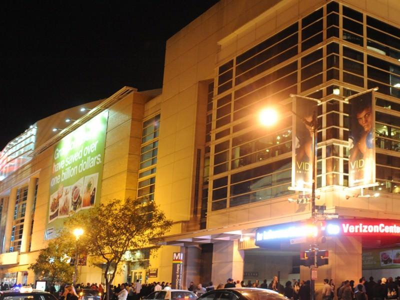 banners_0007_verison-center